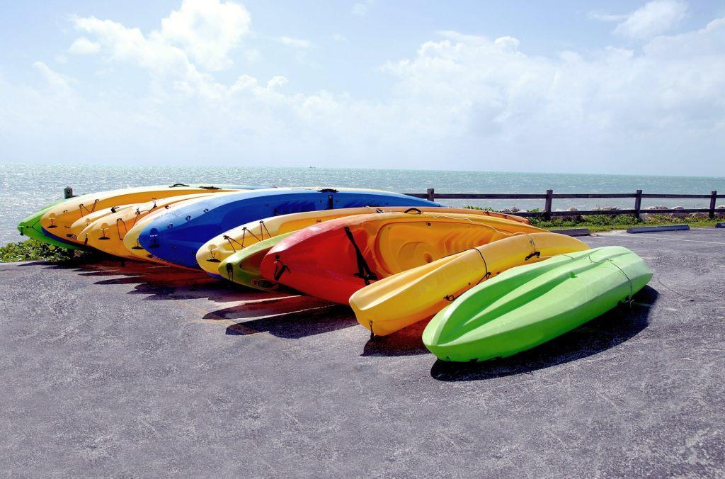kayaks-1703716_1920